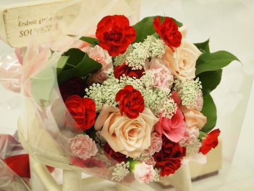イイハナドットコム母の日ギフト 花束「イッツ・ア・マザー」