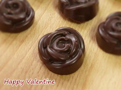 手作りチョコ ローズの形の生チョコ